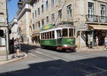 Senas, triukšmingas ir nepakartojamas Lisabonos tramvajus. Eliaso Zamoros nuotrauka