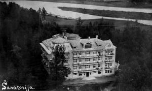 Aukštoji Panemunė, Raudonojo kryžiaus tuberkuliozės sanatorija, 1934 m. Iš A. Burkaus asmeninio rinkinio